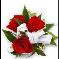 3 red rose wristlet standard