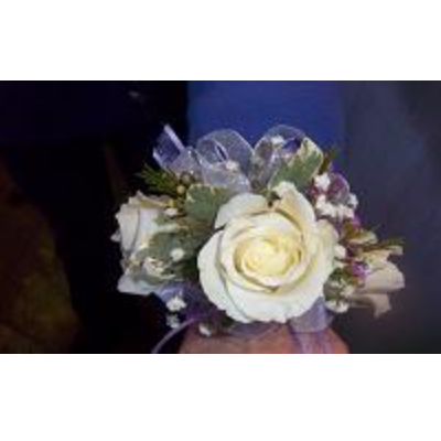 3 White Rose w/ custom wristlet