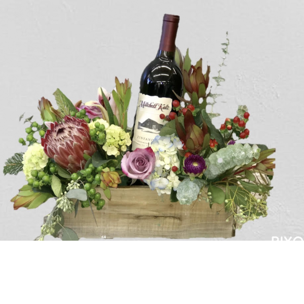 Fremont Flowers Wine and Floral Woodbox