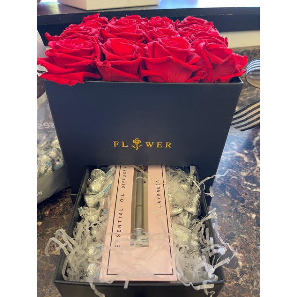 Forever Rose Box with diffuser