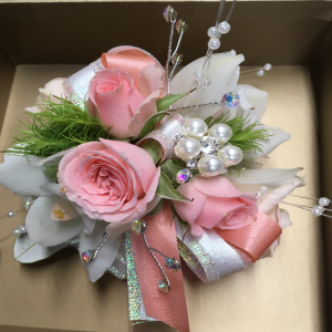 Classic Pink & White Corsage