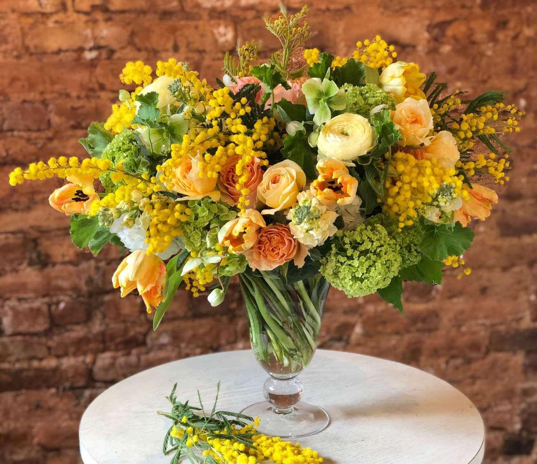 Élan Flowers Celebrates International Women's Day