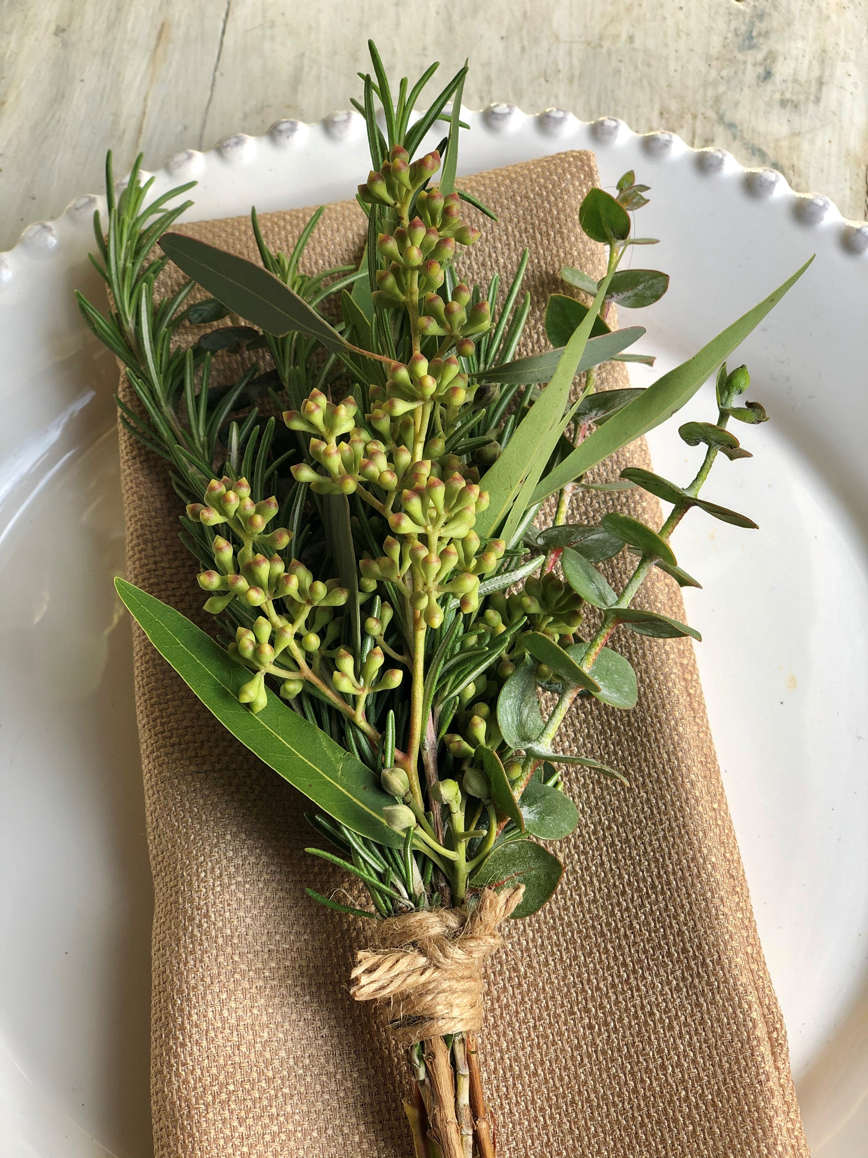Natural Greens Napkin Treatment Alternative Image