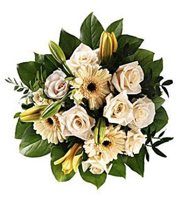 JQ 7771 Gentle Spirit Hand Bouquet