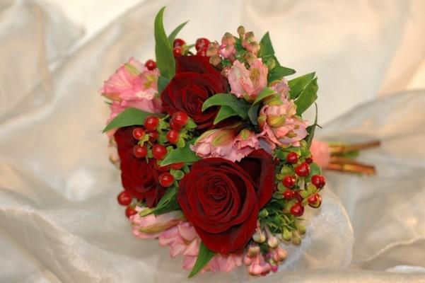 Jacques Flower Shop - Manchester JQW Alstromeria & Roses (1)