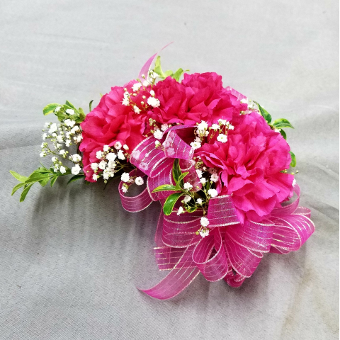 TRIPLE CARNATION PIN ON CORSAGE