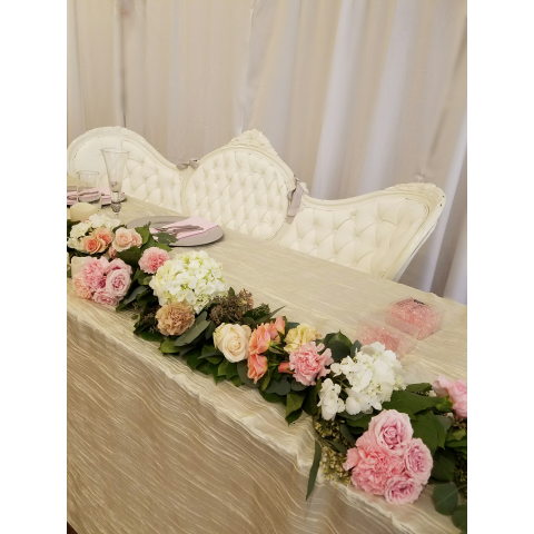 Headtable garland with flowers