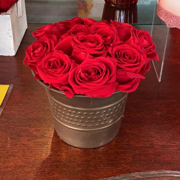 Forever rose metal base