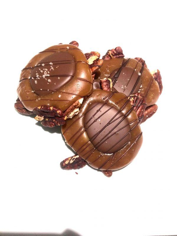 JinJu Chocolate Turtles 3 pieces