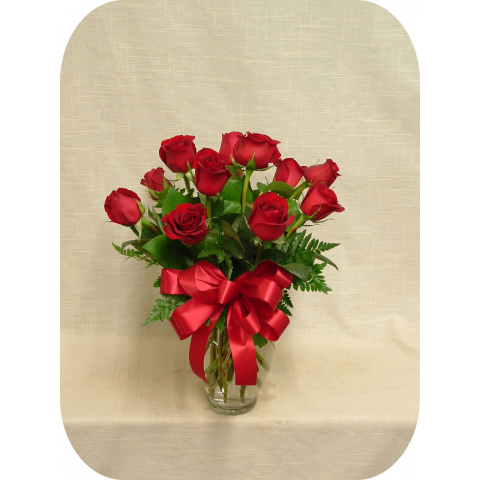 Dozen Red Medium Roses in Vase