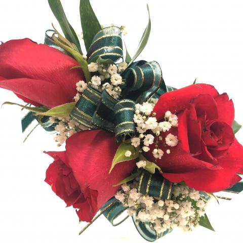 3 Sweetheart Rose Wristlet