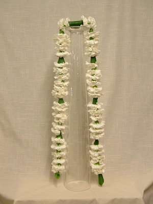 Garland Carnation Lei