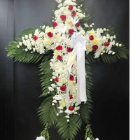 Full Cross w/ Red Roses