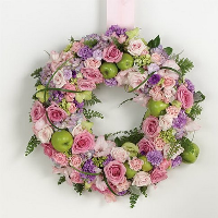 Floral Wreath On Easel - Shades Of Pink