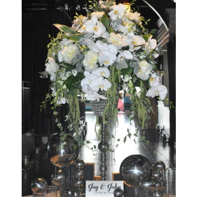 Escort Table Arrangement