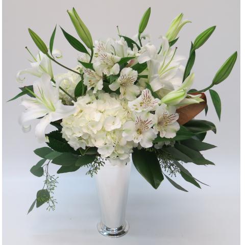KD-117 Elegant Whites Vase