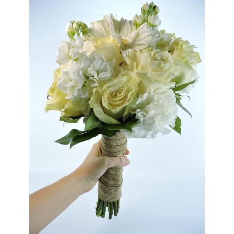 Beaverton Florists Beaverton - simple bouquet in cream and white.