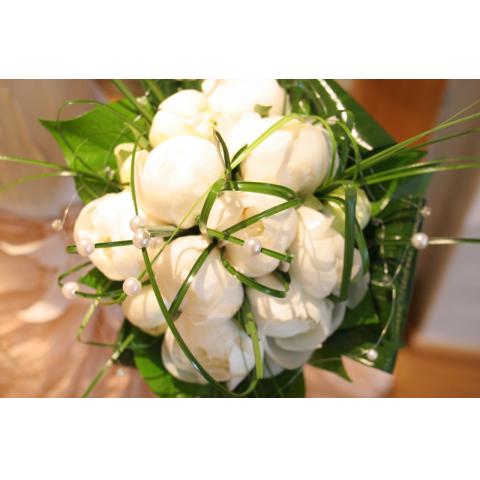Beaverton Florists Beaverton - White peonies and pearls.