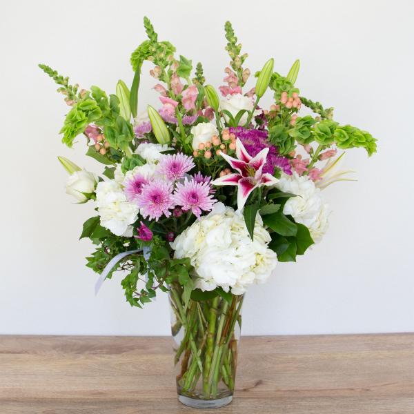 Reno & Sparks Flower Delivery | Sparks Florist® - Reno Classic Spring Flemish - Large