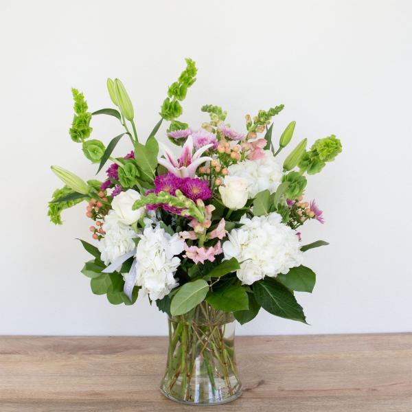 Reno & Sparks Flower Delivery | Sparks Florist® - Sparks Classic Spring Flemish - Medium