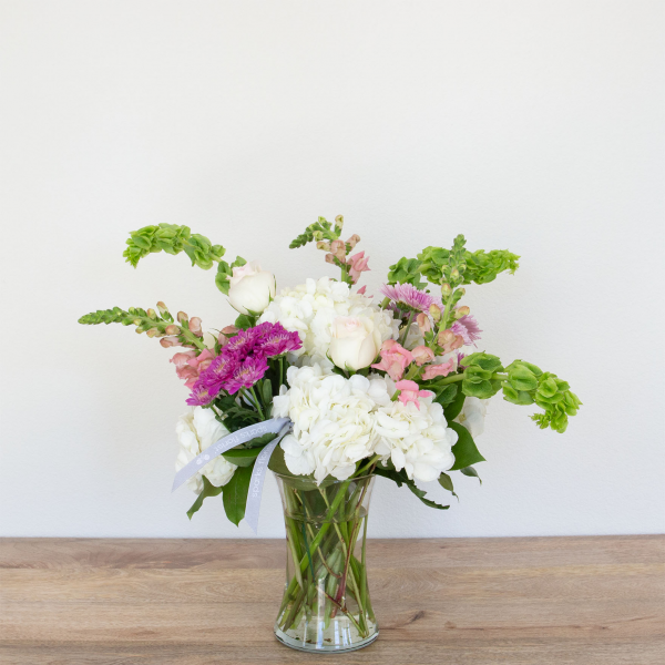 Reno & Sparks Flower Delivery | Sparks Florist® - Reno Classic Spring Flemish - Small