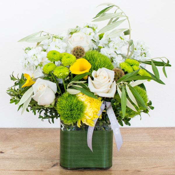 Reno & Sparks Flower Delivery | Sparks Florist® - Sparks Winter Smiles - Large
