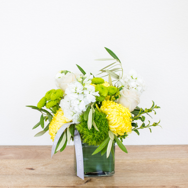 Reno & Sparks Flower Delivery | Sparks Florist® - Reno Winter Smiles - Small