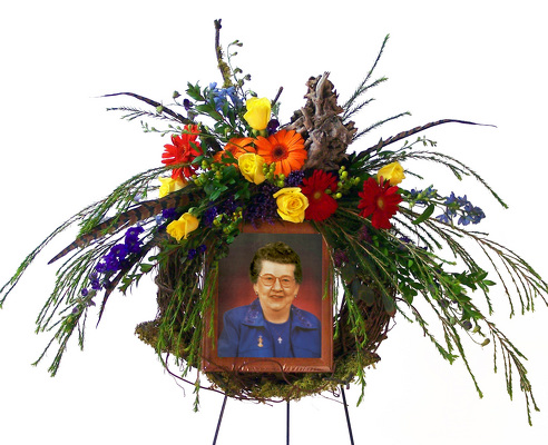 Fond Remembrance Picture Adornment Wreath