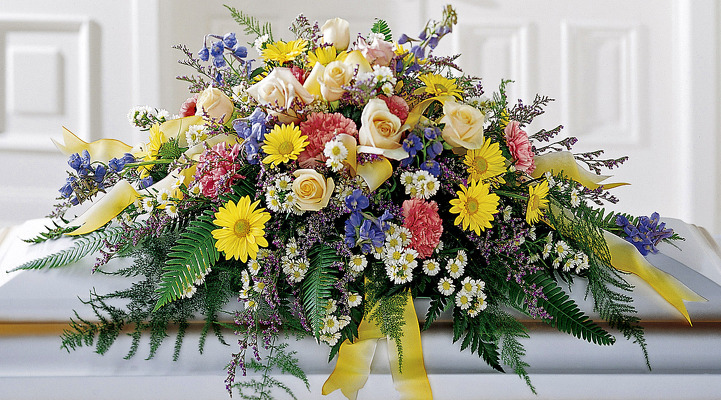 Reno & Sparks Flower Delivery | Sparks Florist® - Sparks Heavenly Scented Casket Spray