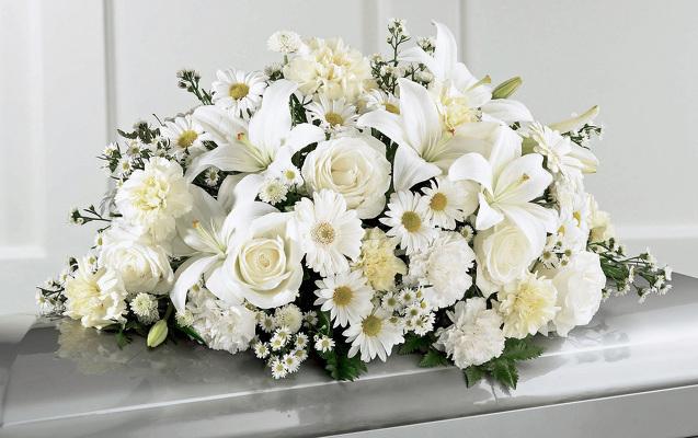 Reno & Sparks Flower Delivery | Sparks Florist® - Sparks Sweet Peace Casket Spray