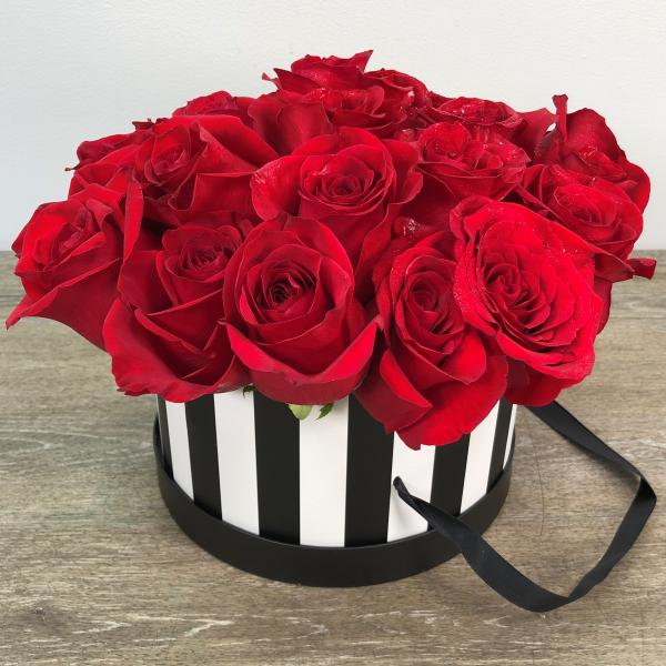 Hat Box of Love 24 Roses