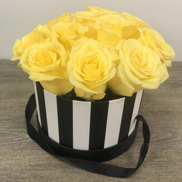 Hat Box of Love 12 Roses