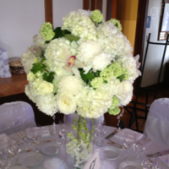 Beautiful centerpiece for weddings and special occasions