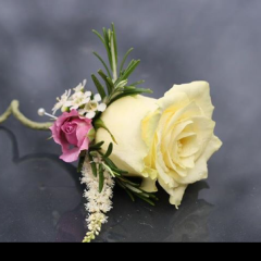 The traditional rose Boutonnière is appropriate for any occasion especially proms and senior balls. They come in a variety of colors & styles.