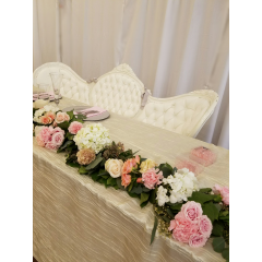 THIS IS THE PERFECT TOUCH FOR YOUR HEADTABLE. DRESS THE TABLE WITH CUSTOM FOLIAGE AND FLOWERS TO CREATE A ONE OF A KIND LOOK. THIS IS THE PERFECT SETTING FOR FABULOUS WEDDING PHOTOS.