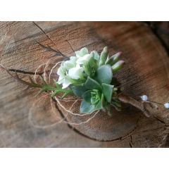 RUSTIC AND OUTDOORSY THESE BOUTONNIERES ARE FOR THOSE WHO LOVE NATURE, BURLAP AND LACE.