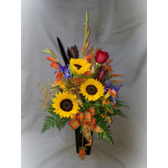 It's time for the Kern County Fair!  Celebrate the harvest and the traditions of Kern County with this festive fall arrangement.