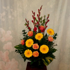 THIS BEAUTIFUL ARRANGEMENT IS APPROPRIATE FOR A MEMORIAL OR TO GO TO THE HOME TO TO EXPRESS YOUR CONDOLENCES. IT IS ARRANGED IN A STYLISH METAL CONTAINER. COLORS MAY BE SUBSTITUTED UPON REQUEST AND AVAILABILITY.