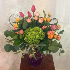 They help you everyday and make your business a success. Thank your Assistant or your team with a pretty bouquet. Flowers make everyone feel special!