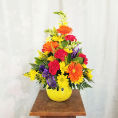 This bouquet is great for no occasion or just to make someone's day...The Big Smile Bouquet is filled with a bright summer mix of cheerful blossoms!
