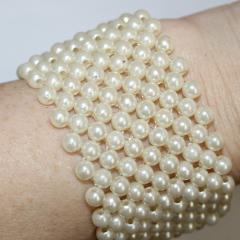 DiBella Flowers & Gifts Las Vegas - T -  Off White/Cream Pearl Wristlet
