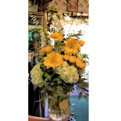 DiBella Flowers & Gifts Las Vegas - In honor of the greatest goalie ever! Our golden flower vase full of bright blooms and golden accents. Go Knights!