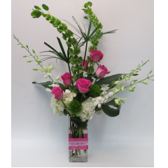 KD-616 Ribbons & Pearls Vase - Deluxe