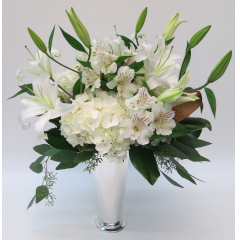 KD-117 Elegant Whites Vase - As Shown