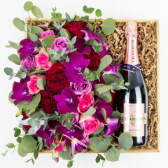 True Love & Bubbly Gift Crate<br><b><i>PREORDER</i></b>